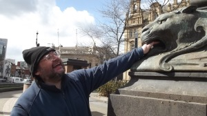 Interact with art! Eric & the lion, Leeds 2015