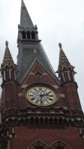 The St Pancras clock is a tickin' ...