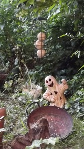 Spook! plus bird feeder