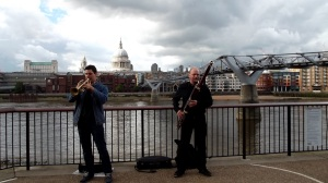 Buskers near the Globe - and the Thames.